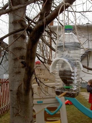 Petites et grandes oeuvres le jardin de julie for Comfabriquer cabane oiseau